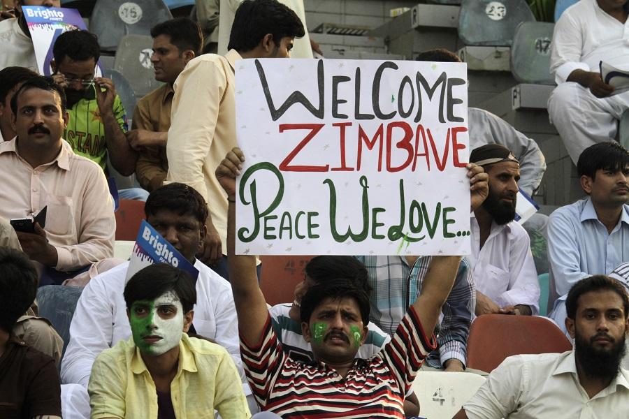 Welcome back Zimbabwe and cricket to Pakistan crowd,Pakistan,Zimbabwe,welcome,T20,Lahore,cricket